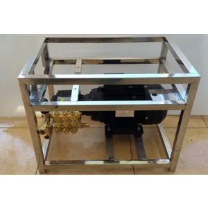 Iestatiet sūkni un motoru uz rāmja, lai mazgātu ar piederumiem 15 l / min 130 bar ekvivalenta CAT350